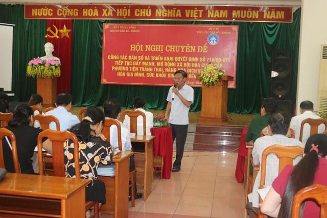 Giáo sư, Tiến sĩ, Phó ban quản lý Đề án 818- Đỗ Ngọc Tấn phát biểu tại hội nghị
