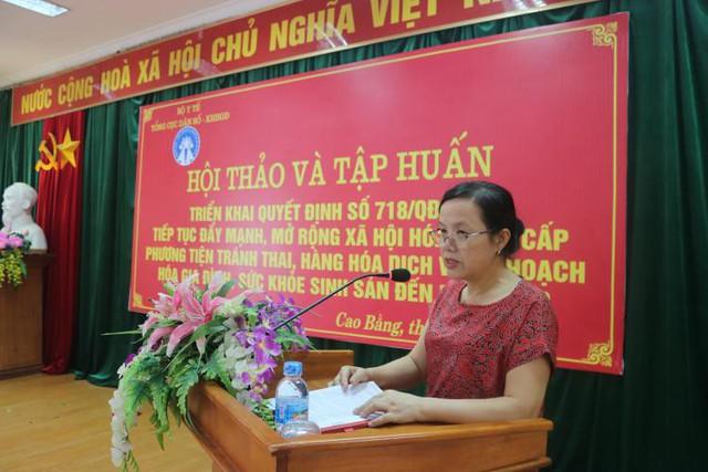 Đ/c Lục Thị Thắng - Chi cục trưởng, Chi cục Dân số- KHHGĐ phát biểu khai tại hội nghị