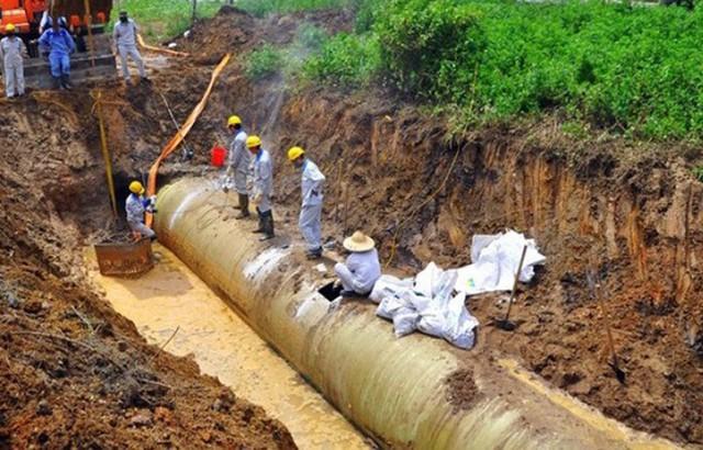 Nhiều nơi tại Hà Nội đang tạm ngừng cấp nước sạch từ sông Đà - Ảnh 1.