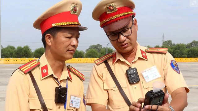 Camera gắn ngực chuyên dụng sẽ giúp ích trong quá trình thực hiện nhiệm vụ của lực lượng CSGT.