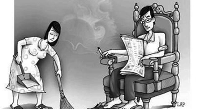 Phụ nữ nên biết ích kỷ hơn với tiền bạc của mình để bảo vệ gia đình - Ảnh 1.