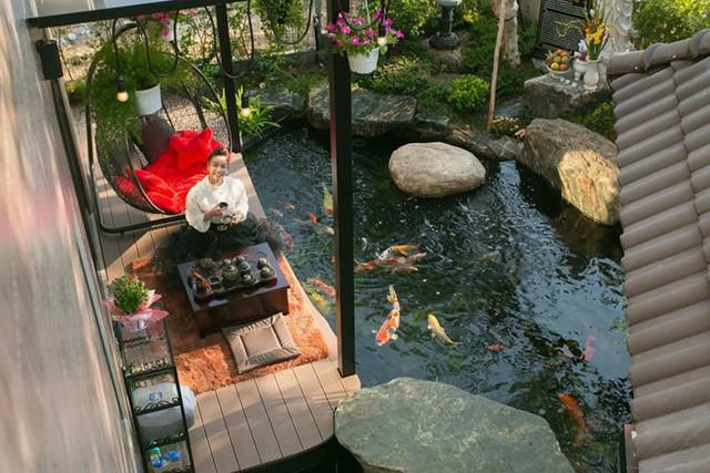 Góc sân vườn trong căn biệt thự 200 m2 của Nhật Kim Anh.