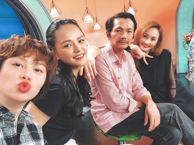Đóng vai chị cả trong gia đình, Thu Quỳnh phải kìm nén cảm xúc rất nhiều khi vào vai Huệ.