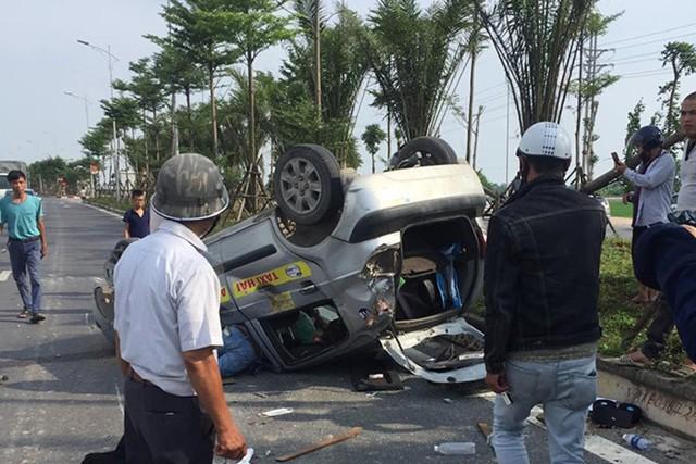 Vụ xe EcoSport tông hàng loạt xe rồi bỏ chạy: Tài xế gây tai nạn đã ra trình diện tại cơ quan công an - Ảnh 1.