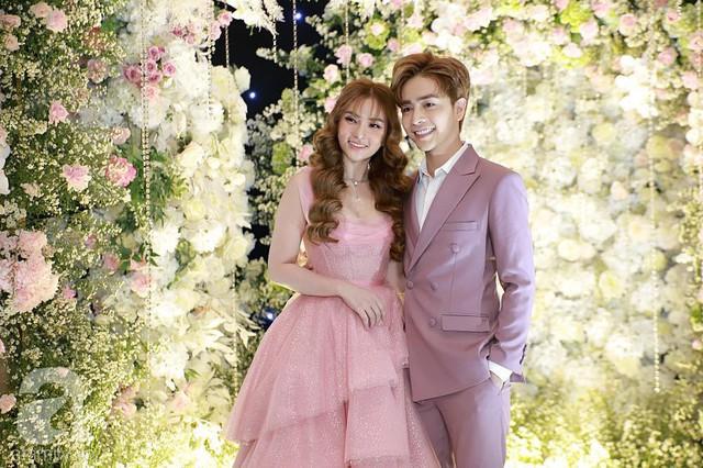 Cặp vợ chồng Thu Thủy - Kin Nguyễn xuất hiện lộng lẫy trong tiệc cưới sang trọng