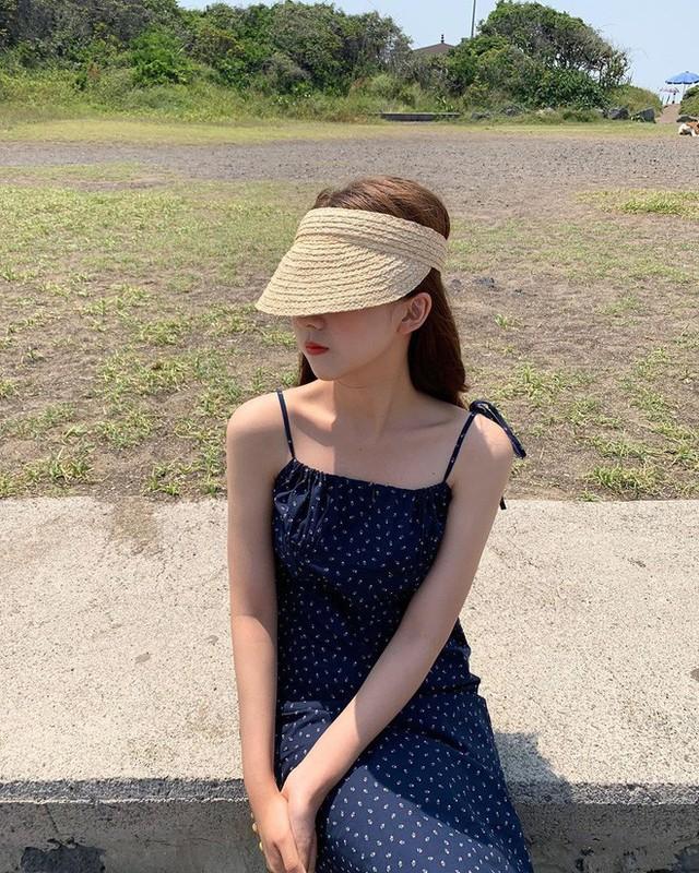 Đi nghỉ mát hè này mà thiếu mũ cói nửa đầu thì style của bạn sẽ bị thiệt vài phần sành điệu đấy! - Ảnh 5.