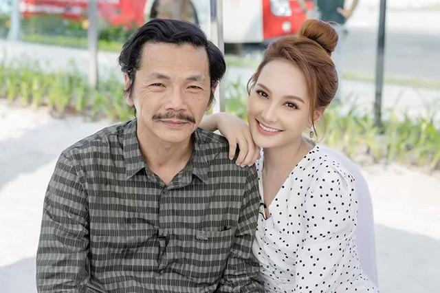 Sau khi đóng Về nhà đi con, Bảo Thanh luôn gọi NSƯT Trung Anh là bố.