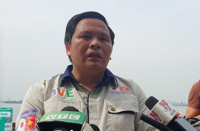 Chủ tịch đơn vị thí điểm sông Tô Lịch: Chỉ nhận được thông báo trước khi xả nước 15 phút - Ảnh 2.
