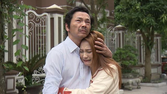 Về nhà đi con tập 70: Đến nhà thông gia đón con về, ông Sơn khóc đến nghẹn ngào - Ảnh 2.