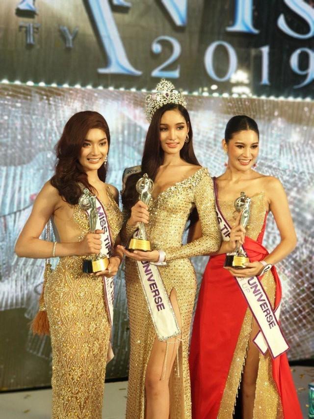 Nhan sắc của tân Hoa hậu chuyển giới nổi bật và lấn át 2 Á hậu.