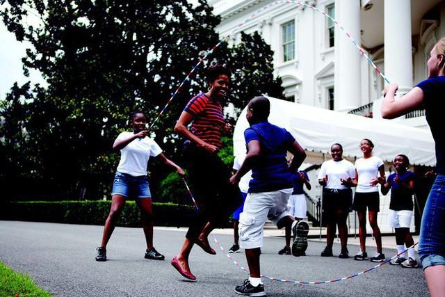 """Chuyện tình cựu Tổng thống Obama: Từ """"gã – được – thổi – phồng"""" đến ông chủ Nhà Trắng và công cuộc tán tỉnh công phu của những người có EQ cao - Ảnh 7."""