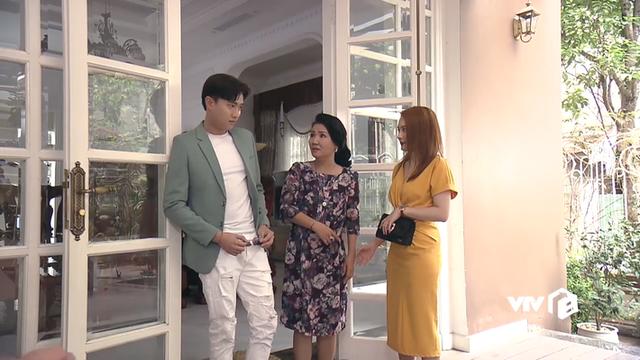 Cân đo gu thời trang của 2 mẹ chồng Bảo Thanh: Trên phim thì khác xa nhưng ngoài đời thì 8 lạng, nửa cân - Ảnh 4.