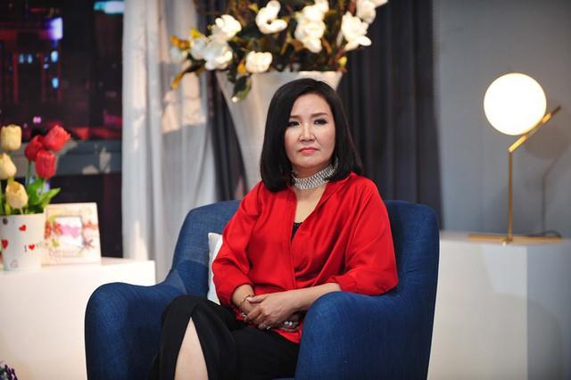 Cân đo gu thời trang của 2 mẹ chồng Bảo Thanh: Trên phim thì khác xa nhưng ngoài đời thì 8 lạng, nửa cân - Ảnh 8.
