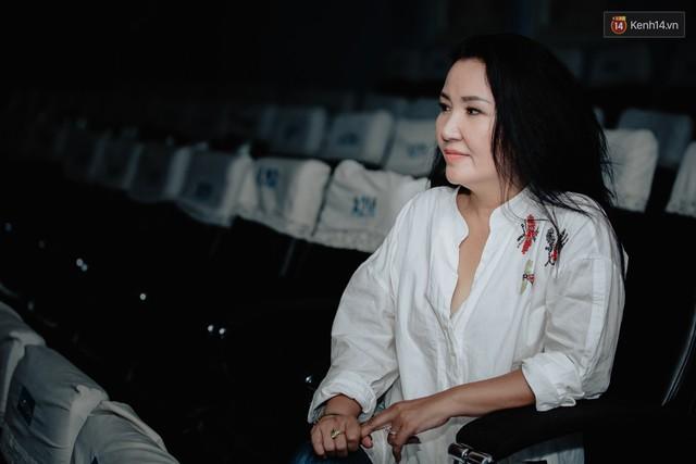 Cân đo gu thời trang của 2 mẹ chồng Bảo Thanh: Trên phim thì khác xa nhưng ngoài đời thì 8 lạng, nửa cân - Ảnh 10.