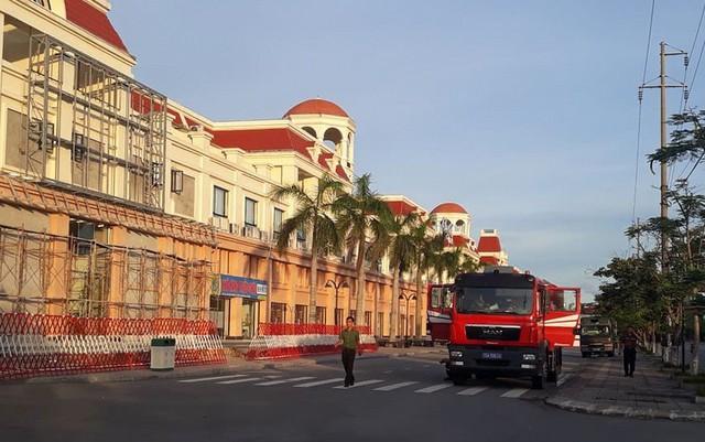 Đột kích, phát hiện hệ thống đánh bạc khủng trong KĐT Our city Hải Phòng - Ảnh 2.