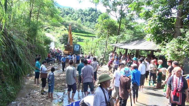 Thông tin mới về vụ mưa lớn khiến 5 người thương, 5 con trâu bị sét đánh chết ở Hà Giang - Ảnh 3.