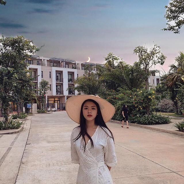 Con gái 15 tuổi của nghệ sĩ Chiều Xuân khoe ảnh áo tắm nóng bỏng - Ảnh 1.
