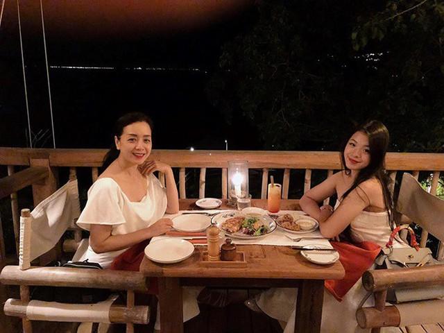 Con gái 15 tuổi của nghệ sĩ Chiều Xuân khoe ảnh áo tắm nóng bỏng - Ảnh 13.