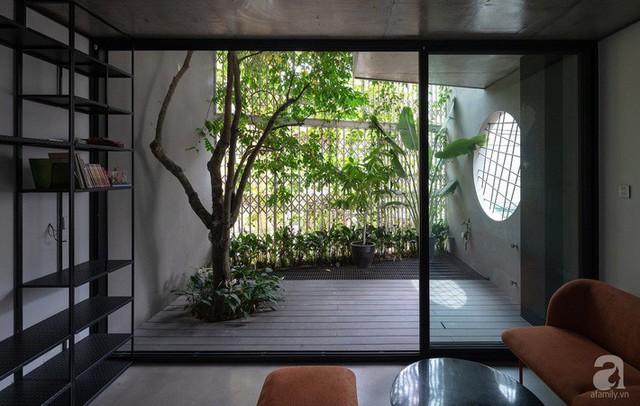 Ngôi nhà cửa xếp ở Hà Nội ai đi qua cũng phải dừng lại ngắm nhìn - Ảnh 13.