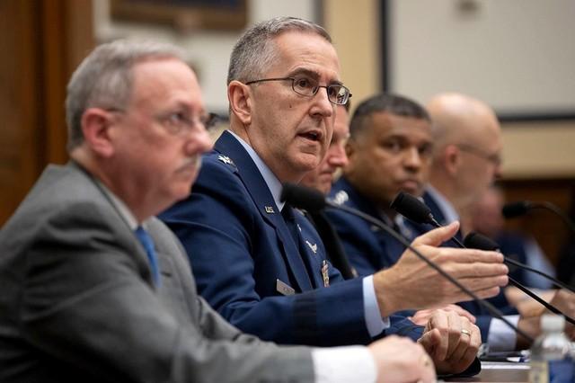 Đại tá Mỹ cáo buộc bị đại tướng 4 sao xâm hại tình dục - Ảnh 3.