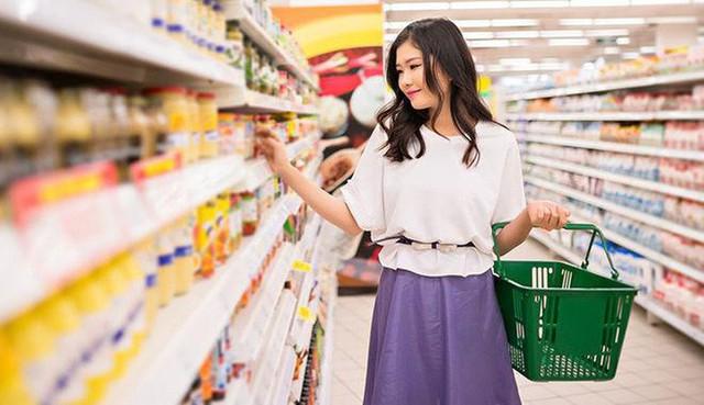 6 thói quen sai lầm khi đi siêu thị khiến ngân quỹ gia đình cứ thế bay đi mà bạn không hề để ý - Ảnh 3.