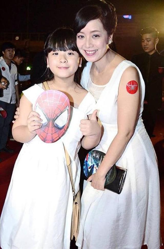 Con gái 15 tuổi của nghệ sĩ Chiều Xuân khoe ảnh áo tắm nóng bỏng - Ảnh 5.