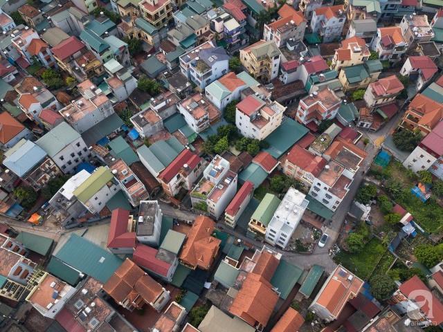 Ngôi nhà cửa xếp ở Hà Nội ai đi qua cũng phải dừng lại ngắm nhìn - Ảnh 5.