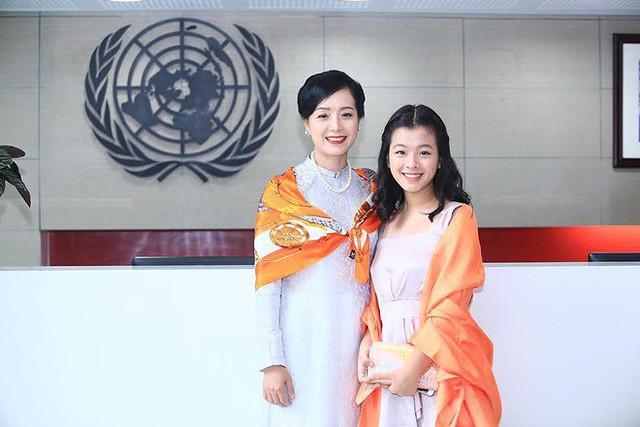 Con gái 15 tuổi của nghệ sĩ Chiều Xuân khoe ảnh áo tắm nóng bỏng - Ảnh 6.