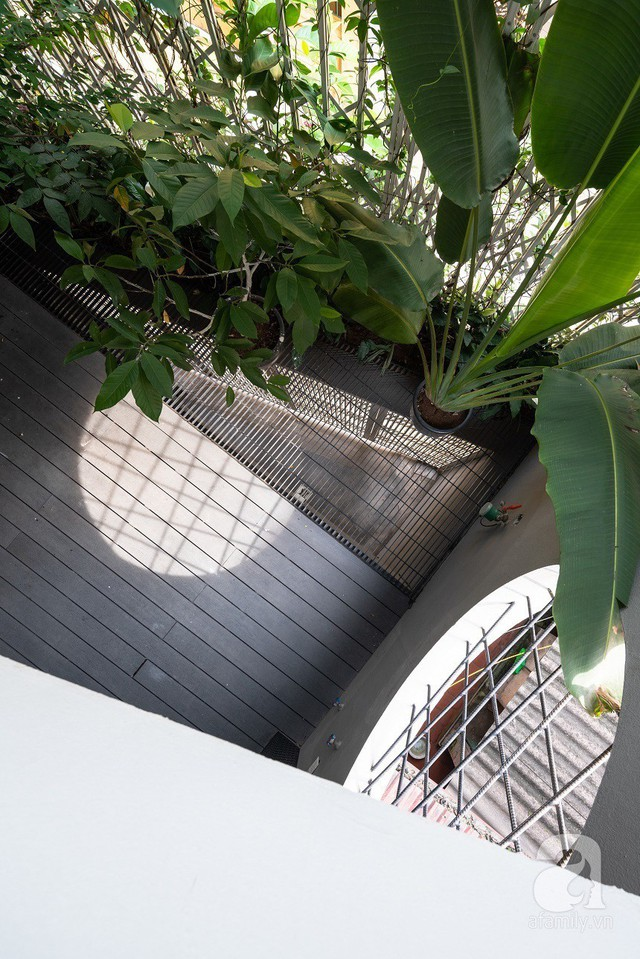 Ngôi nhà cửa xếp ở Hà Nội ai đi qua cũng phải dừng lại ngắm nhìn - Ảnh 8.
