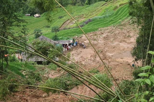 Thông tin mới về vụ mưa lớn khiến 5 người thương, 5 con trâu bị sét đánh chết ở Hà Giang - Ảnh 2.