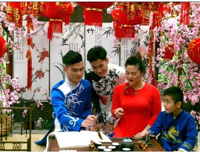 Độc quyền: Loạt ảnh chứng minh vợ chồng chị cả thân thiết với vợ hai Kiều Thanh - Ảnh 6.