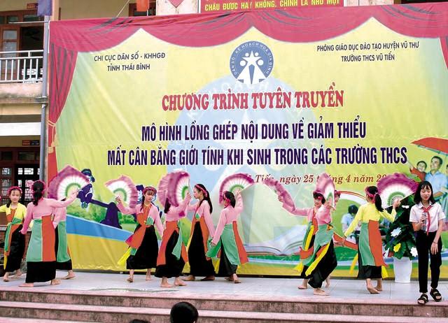 Thái Bình: Nhiều kết quả trong triển khai Nghị quyết 21- NQ/TW - Ảnh 1.