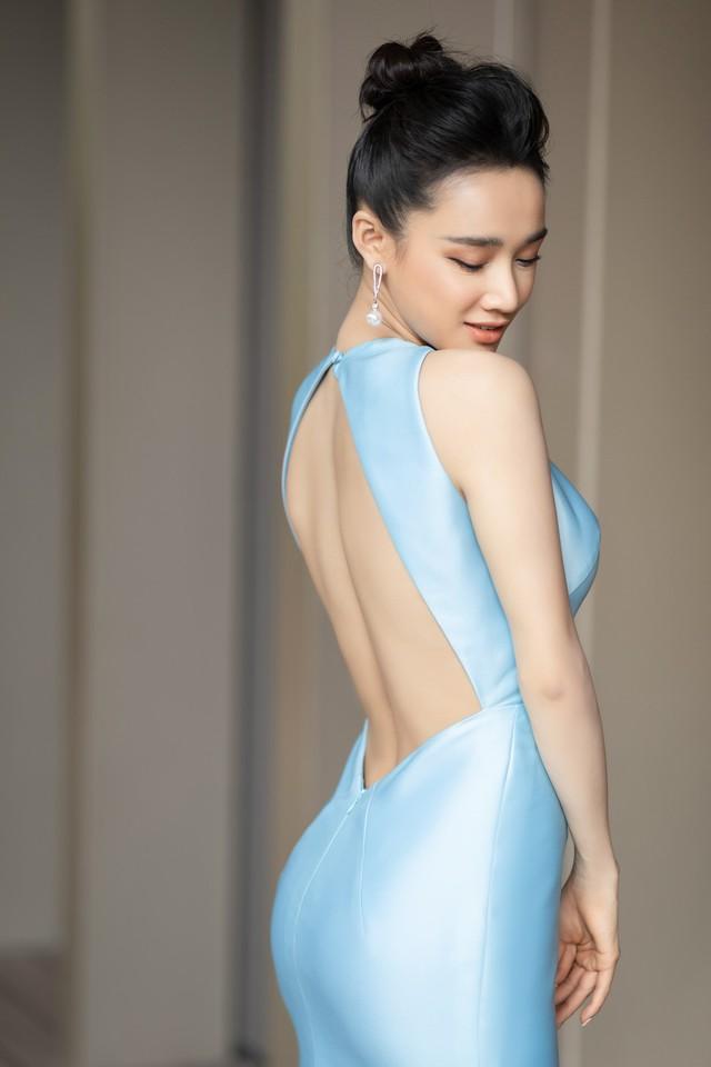 Nhã Phương diện váy quây khoe ngực nở eo thon nhưng lại lộ 2 chi tiết sến súa và o ép cơ thể - Ảnh 6.