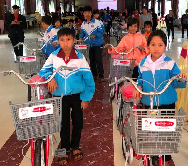 """Công ty BHNT Dai-ichi Việt Nam phát động gây quỹ cho chương trình hỗ trợ cộng đồng """"Kết nối triệu yêu thương"""" - Ảnh 2."""