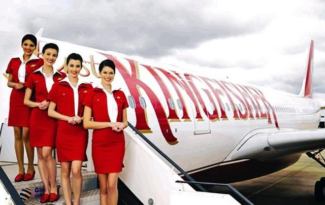 Kingfisher Airlines là hãng hàng không được nhiều khách hàng yêu thích tại Ấn Độ. Đồng phục tiếp viên của hãng này cũng mang màu đỏ quyến rũ. Ảnh: Kingfisher.