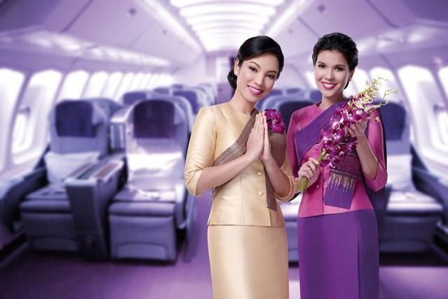 Đội ngũ tiếp viên của Thai Airways International cũng được đánh giá rất cao. Hãng này rất chú trọng đến từng tiểu tiết nhỏ nhất để mang tới cho hành khách những tiện nghi và trải nghiệm tốt nhất khi sử dụng dịch vụ. Ảnh: Thai Airways.