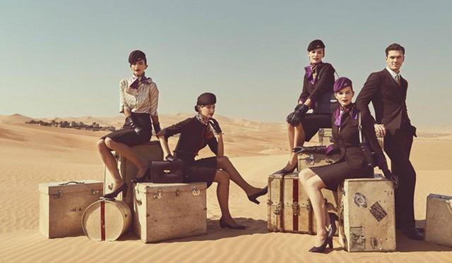 """Etihad Airways - hãng hàng không lớn thứ 2 tại UAE - gây chú ý khi cho """"ra lò"""" dàn chân dài với bộ đồng phục tuyệt đẹp này. Ảnh: Etihad."""