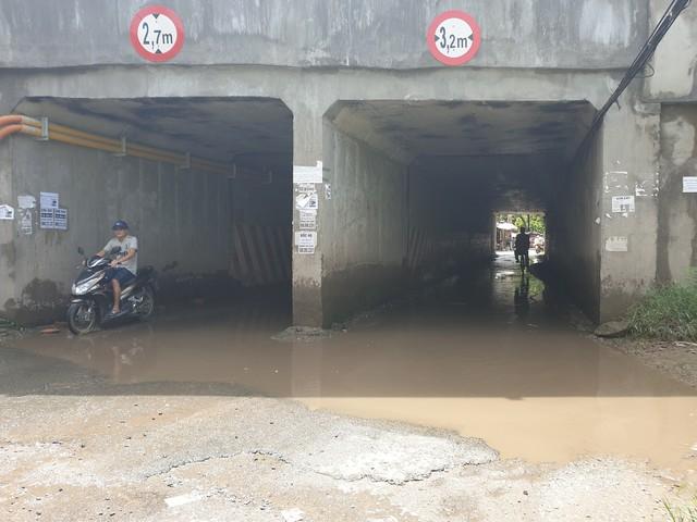 Cao tốc Pháp Vân - Cầu Giẽ: Vì sao đường gom vẫn tối om? - Ảnh 1.