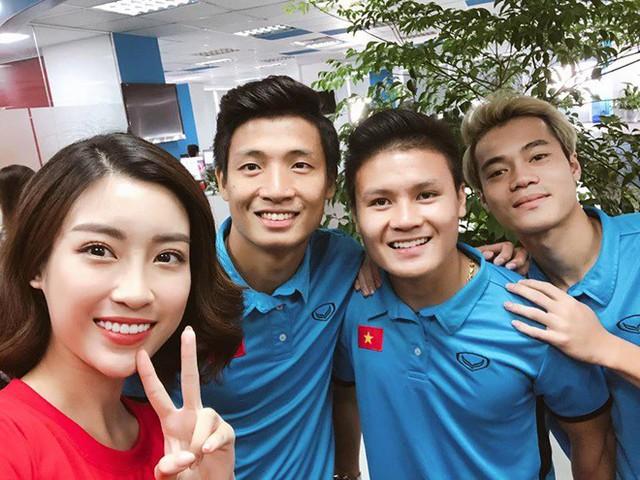 Chăm diện hàng hiệu cực chất, Đỗ Mỹ Linh thoát mác hoa hậu nghèo nhất Việt Nam - Ảnh 2.