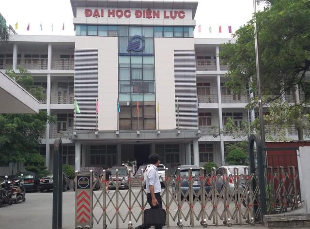 Trường ĐH Điện Lực thuộc Bộ Công thương có trụ sở tại đường Hoàng Quốc Việt, quận Bắc Từ Liêm, TP Hà Nội.