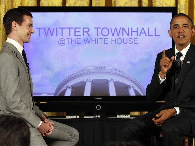 Năm 2011, Dorsey có cơ hội phỏng vấn Tổng thống Mỹ khi đó - Barack Obama trên Twitter Town Hall. Dù vậy, người dùng Twitter yêu thích của ông là Elon Musk.
