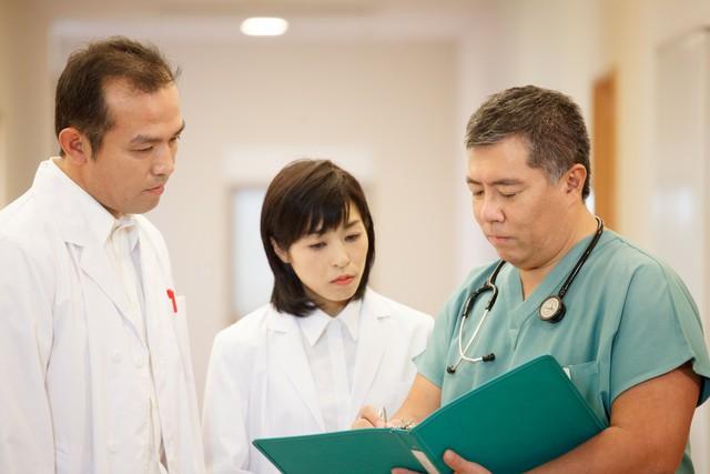 Tiến sĩ, bác sĩ Daisuke Tachikawa dành nhiều thời gian nghiên cứu, thực nghiệm khoa học