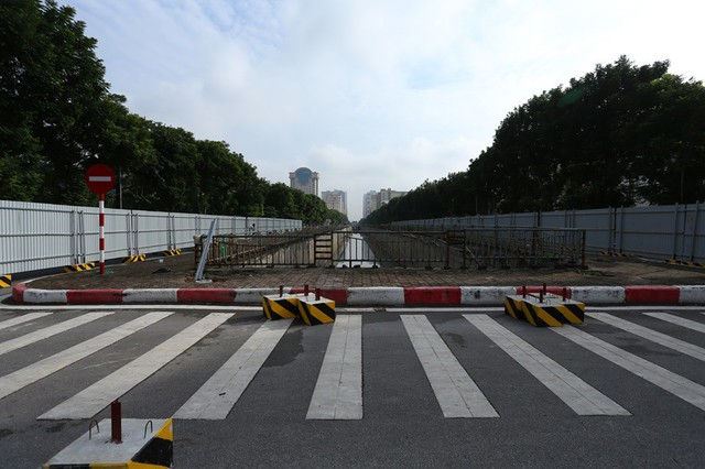 Hà Nội: Rào chắn nhiều tuyến đường phục vụ thi công đường đua F1 - Ảnh 2.