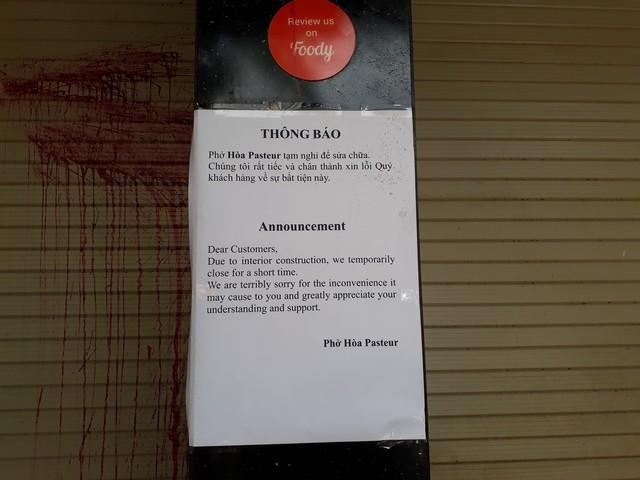 Không trả nợ thay em rể, quán phở 50 năm tuổi ở Sài Gòn bị khủng bố bằng chất thối, khách ăn hứng đủ - Ảnh 2.