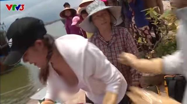 Phản ứng của VTV sau vụ người đẹp lộ hàng ở Cuộc đua kỳ thú - Ảnh 1.