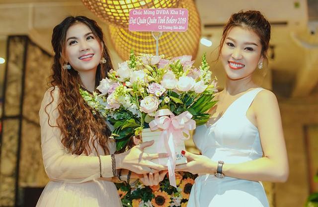 Em gái hoa hậu mừng Kha Ly chiến thắng cuộc thi hát bolero - Ảnh 6.