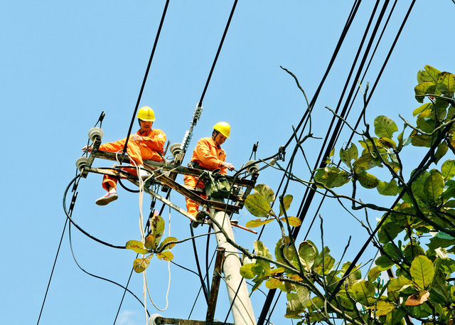 EVNNPC: Nắng nóng gay gắt vẫn không để thiếu điện - Ảnh 1.