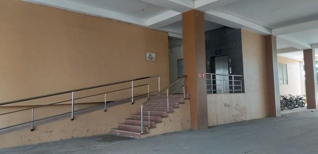 Tạm giữ 1 đối tượng để điều tra về hành vi dâm ô bé gái 10 tuổi trong thang máy - Ảnh 2.