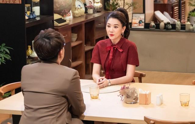 Hari Won: Quen 6 tháng Trấn Thành cầu hôn, tôi làm cô dâu mà như đi dự sự kiện - Ảnh 2.
