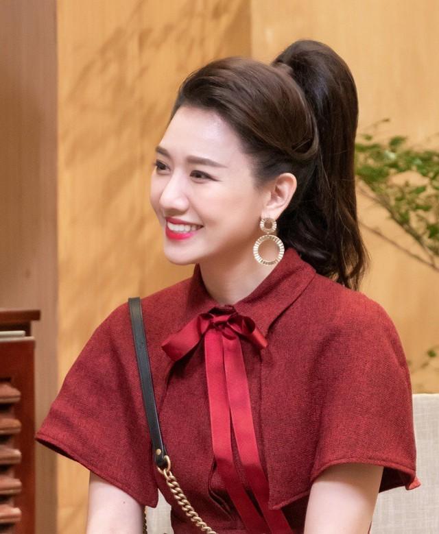 Hari Won: Quen 6 tháng Trấn Thành cầu hôn, tôi làm cô dâu mà như đi dự sự kiện - Ảnh 3.